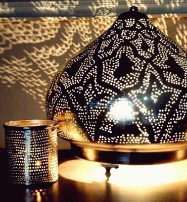 Tisch und Bodenlampen Ghalia