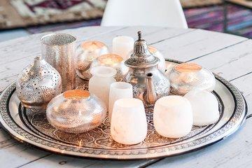 Kerzenhalter-und-Laternen