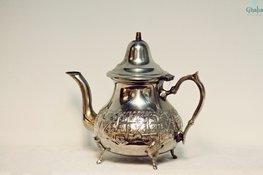 Orientalische Teekannen aus Messing